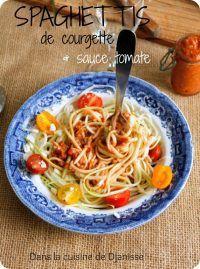 Spaghettis de courgette et sauce tomate sans cuisson (vegan sans gluten)