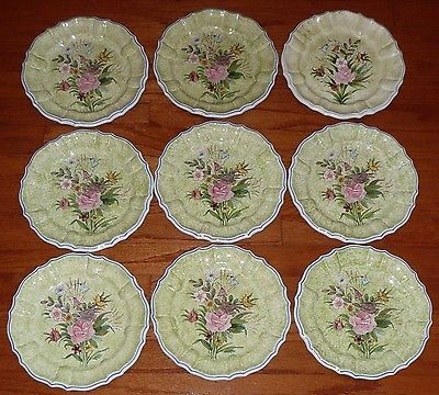 Set-of-9-VINTAGE-ART-POTTERY-FLOWER-PLATES-ITALY-RARE-GREEN-HAND-PAINTED