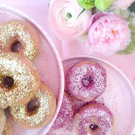 Pink the Town's Glitter Doughnut Party | Pink the Town