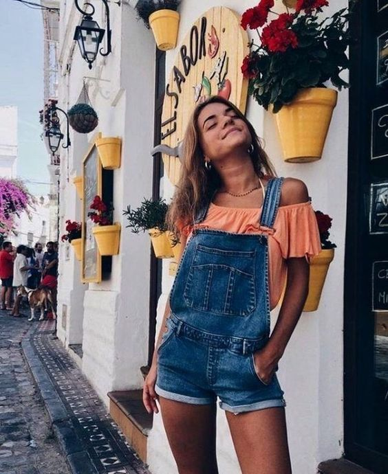 Cool 40 Pleasant Spring Summer Outfit Ideas. More at https://wear4trend.com/2018/06/30/40-pleasant-spring-summer-outfit-ideas/