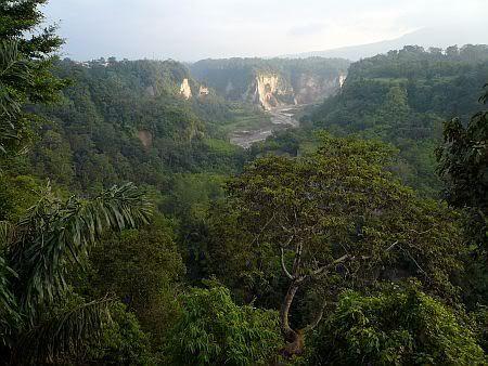Sianok Canyon, Bukittinggi, SUMATRA