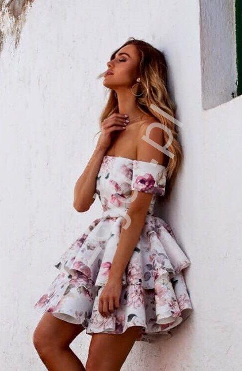 Piankowa Sukienka W Kwiaty Z Dekoltem Carmen Doda Dresses Outfits Graduation Dress