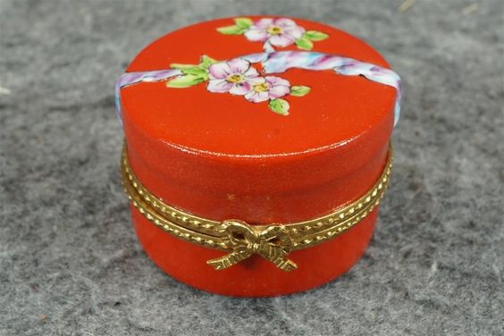 Limoges Red Hat Box Peint Main Limited Edition 72/750 With Red Hat Inside #Limoges