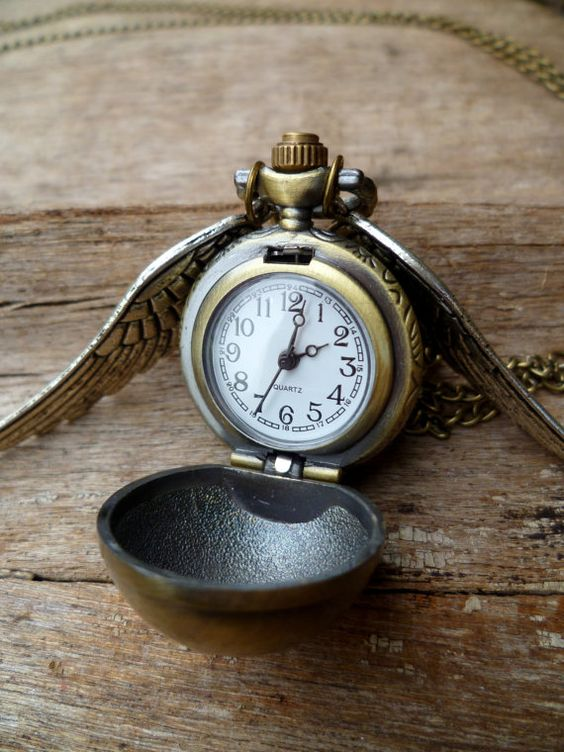 Love love love this! Harry Potter inspired watch. Its the snitch... Want one - Wuvly?