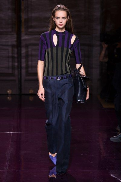 View the complete Nina Ricci Spring 2017 collection from Paris Fashion Week.