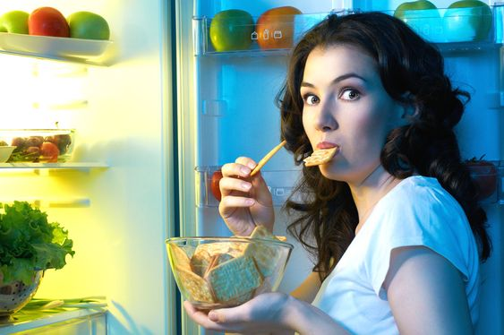 How To Stop Late Night Snacking – Kayla Itsines