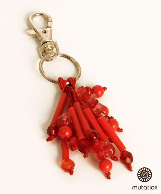 #chaveiropersonalizado #chaveiro #chaveirodiferente #acessorios http://www.elo7.com.br/chaveiro-vermelho/dp/4DA4ED