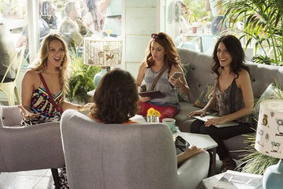 Alanna Ubach, Lisa Edelstein and Beau Garrett in Girlfriends' Guide to Divorce. season 2