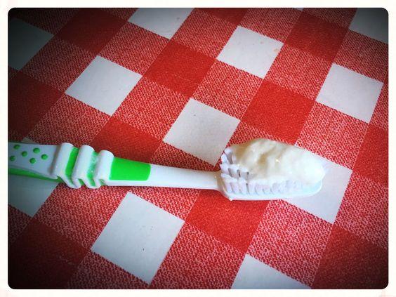 zahnpasta selbst gemacht, zahnpasta thermomix, zahnpasta selbst gemacht schäumt, zahnpasta kokosöl, zahnpasta schlämmkreide, zahnpasta xanthan