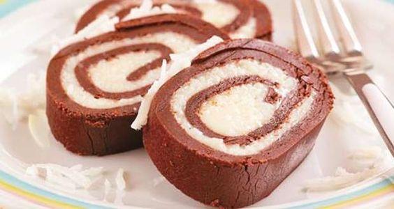 Ingredientes1 rocambole simples (pode ser comprado pronto) sabor chocolateMeio pote (litro) de sorve... - Reprodução