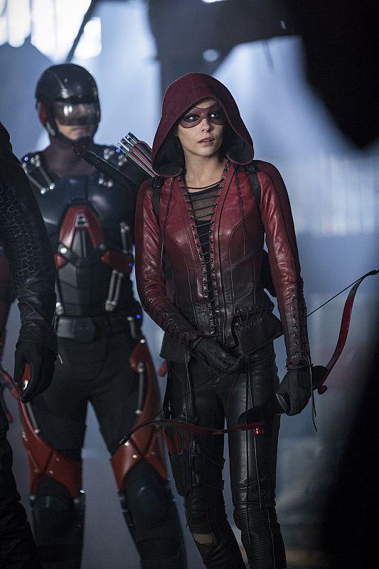 Supergirl Flash Arrow Legends Of Tomorrow Crossover Photos