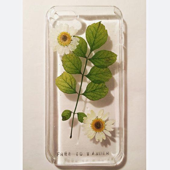 Light Daisy Field iPhone Case 4/5s by FreeToWanderDesigns on Etsy