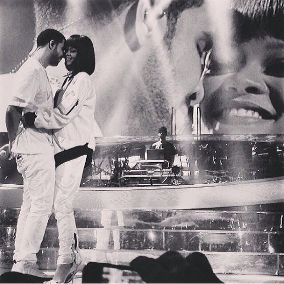 Rihanna and Drake performed Take Care for the first time live !! #PaRIH #Bercy