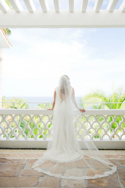 Elegant Cabo Wedding at One & Only Palmilla: http://www.stylemepretty.com/destination-weddings/2014/09/12/elegant-cabo-wedding-at-one-only-palmilla/ | Photography: Sara Richardson - http://www.sararichardsonphoto.com/