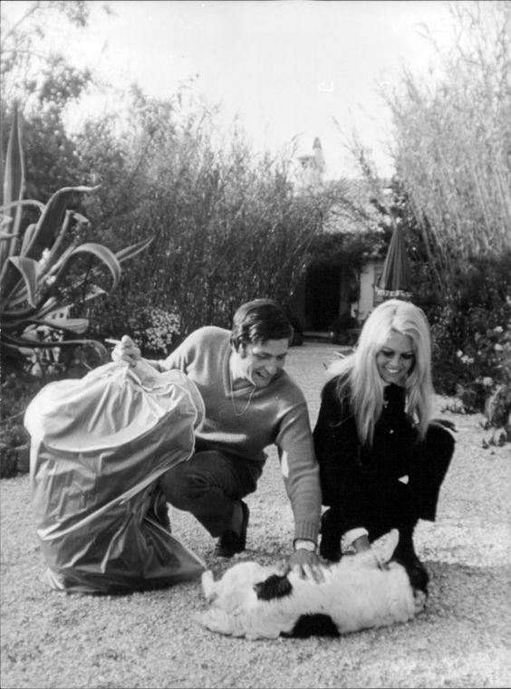 Brigitte Bardot and Gunter Sachs at La Madrague, 1967 ...