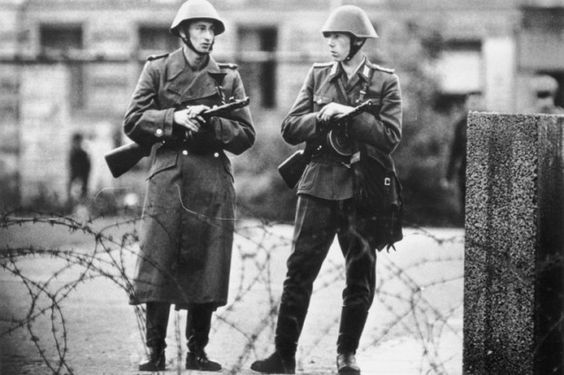 1961 Mauer Soldaten der NVA