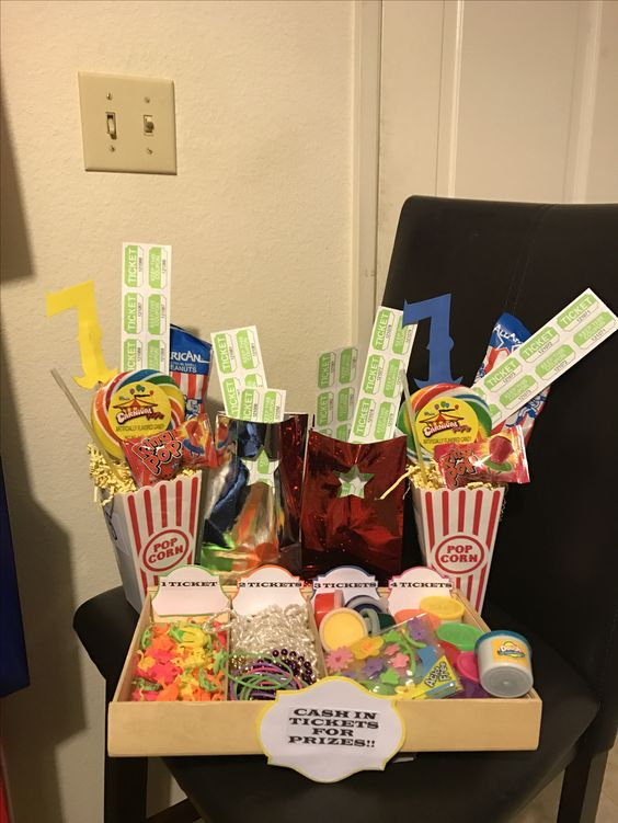 Carnival party. Center pieces, gift bags and prizes.