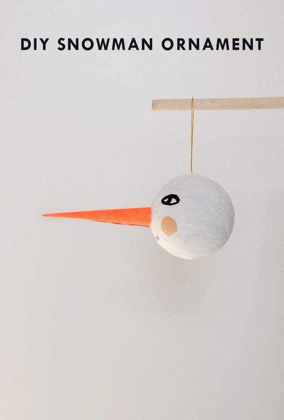 Make your own simple diy snowman ornament mermag How to make your own ornament