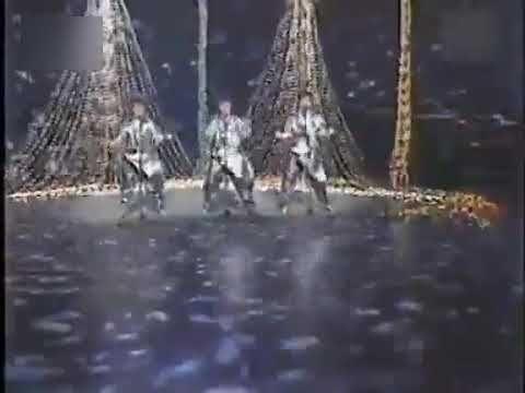 舞踏 隊 少年 仮面 会