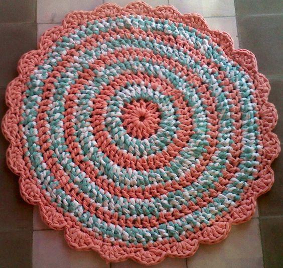 Alfombra De Totora Tejida A Mano Al Crochet - $ 500,00 en MercadoLibre