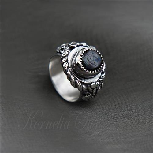 W sercu zieloność- srebrny pierścionek z opalem boulder Biżuteria Pierścionki Kornelia Sus