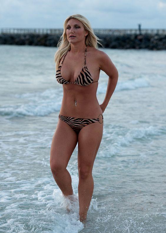 "Brooke Hogan, Height: 5' 11"", (born May 5, 1988, in Tampa, Florida) is an American reality television star, actress, singer, and media personality. Website http://www.brookehogan.com/ Twitter https://twitter.com/MizzHogan?ref_src=twsrc^google|twcamp^serp|twgr^author Instagram https://instagram.com/mizzhogan/?hl=en IMDB http://www.imdb.com/name/nm1740122/ Brooke Hogan, Height: 5' 11"", and Linda Hogan, Height: 5' 9"""