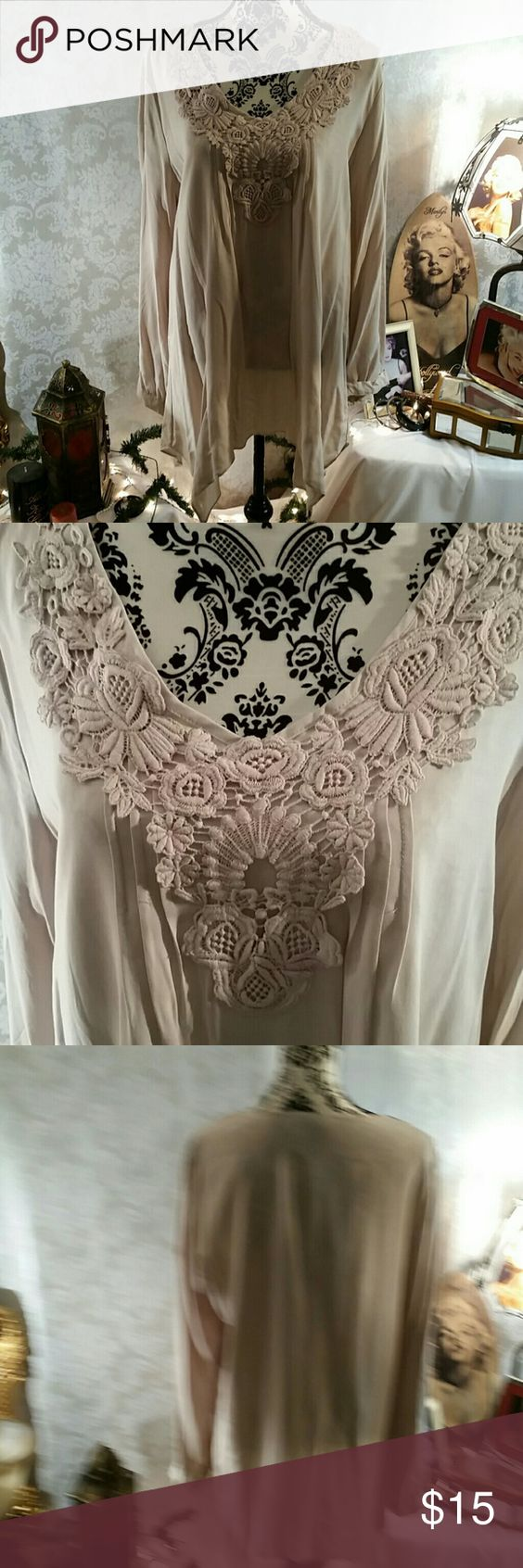 Tunic Spense taupe gorgeous tunic with romantic lace details Spense  Tops Tunics