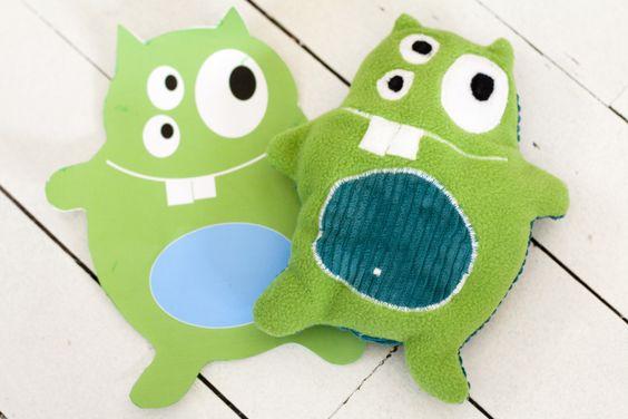 doudou monstre polaire et velours grosses cotes Edmon pour les enfants : Jeux, jouets par lilyputienne