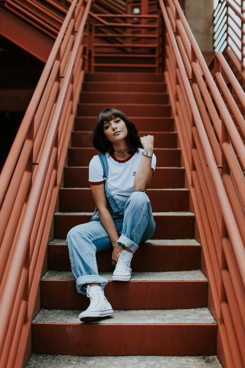 Stairs Instagram Pose Photography Poses Portrait Photography