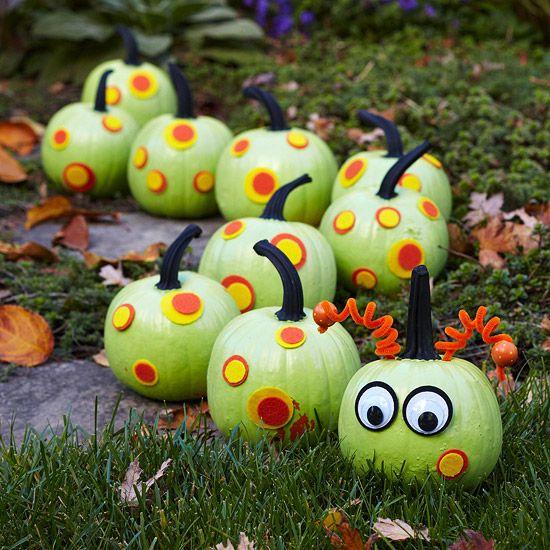 Use paint and felt to turn a group of pumpkins into a cute caterpillar! Get more ideas for painted pumpkins: http://www.bhg.com/halloween/pumpkin-decorating/painted-pumpkin-ideas/?socsrc=bhgpin092012caterpillarpumpkins