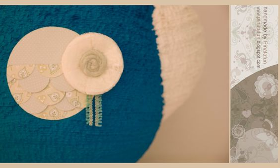 Owl piñata stick embellished with fine crepe paper streamers by Rico Design, thank you!  http://www.rico-design.de