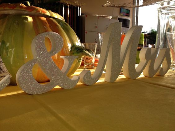 Glitter Sign Mr & Mrs Wedding decoration Mr and Mrs by SunFla
