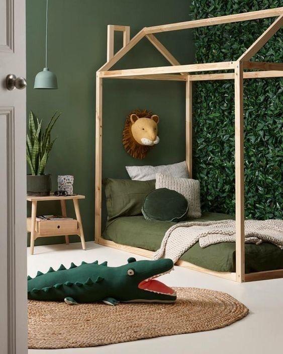 Chambre Des Enfant Kidsroom Verte Lit En Forme De Maison Avec Des