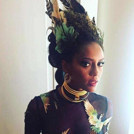 Detalhes da beleza de Thaís Araújo para o Baile da Vogue. #bailedavogue2016 #BailedaVogue: