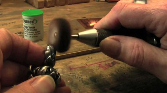 The Flex Shaft and it's Many Uses | Jewelry Tips with Nancy Hamilton - I mille usi del trapano in oreficeria