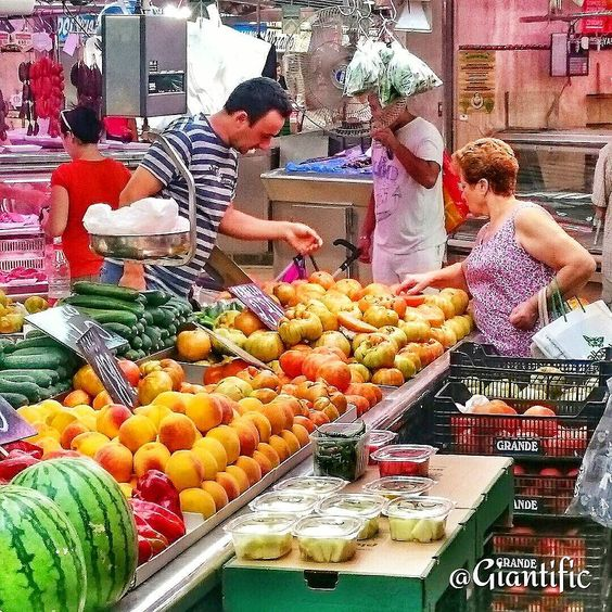 I love the local markets in Spain. Amazing fresh fish meats and ofcourse lots of fruit  --------------------------- #giantific #market #spain #fruit #local #espana #colorful #fruits #tropical #life #tbt #holiday #catalonia #europe #dutch #nederland #holland #traveling #travelling#travel #traveltheworld#travelblogger #traveljunkie#gopro#goprooftheday #goprohero #sky_sultans#reizen #landscape