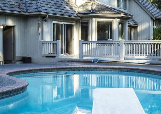 11 Common Problems Home Sellers Try To Hide Outdoor Swimming Pool Large Homes Swimming Pools