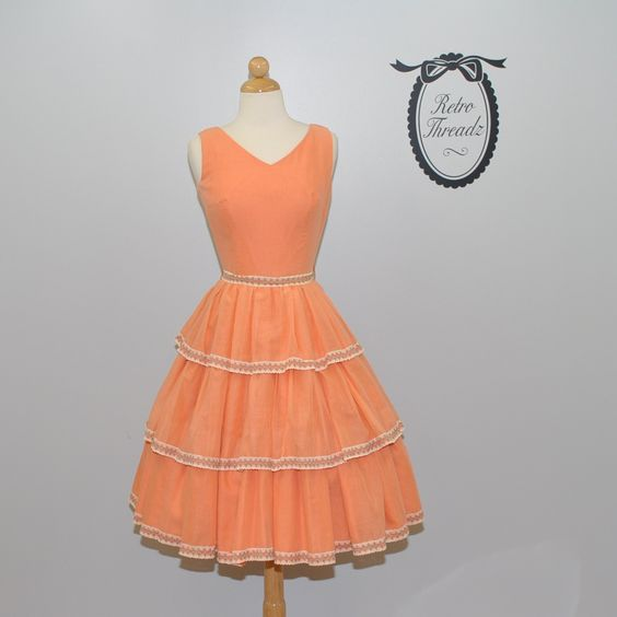 Vintage 50s 'orange julius' party dress. I would so wear this. Classy, gorgeous, playful, plus a ton more adjectives!