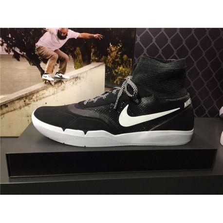 Pour vous les skateurs! découvrez chez OkaNikel le basket Nike SB hyperfeel, chaussure pas cher adaptée à votre planche à roulette. #basket #NikeSB #vente #achat #echange #produits #hightech #mode #pascher  #sevice #marketing #ecommerce