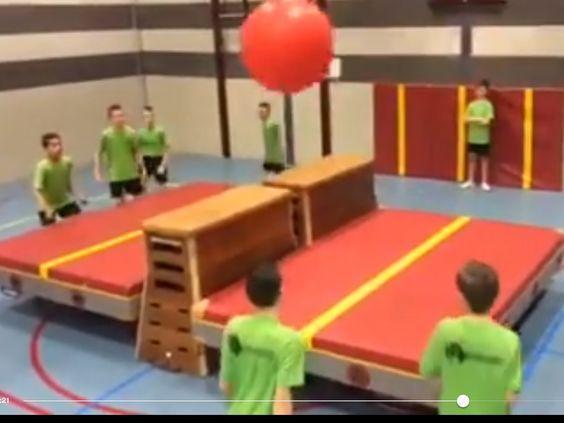 Onderwijs En Zo Voort 3818 Gymspelen Tafelen In Het Groot Lessen Lichamelijke Opvoeding Lichamelijke Opvoeding Spelletjes Lichamelijke Opvoeding