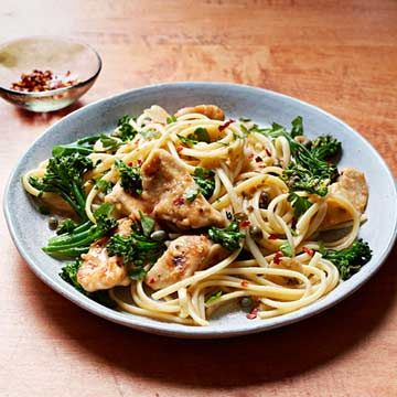 Chicken and Broccolini Aglio e Olio - FamilyCircle.com