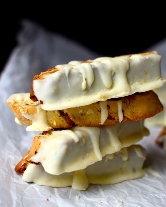 Yammie's Noshery: Lemon White Chocolate Biscotti