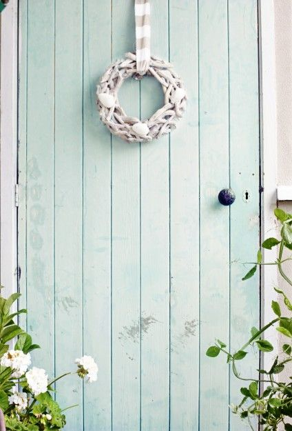 beach cottage coastal wreath ~ I love these colors