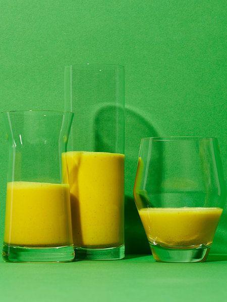 Recipe:【メディカルハーブ入り・コールドプレスジュース】ターメリックミルクティー/ココナッツミルクやアーモンドミルクを入れたチャイ風ジュース