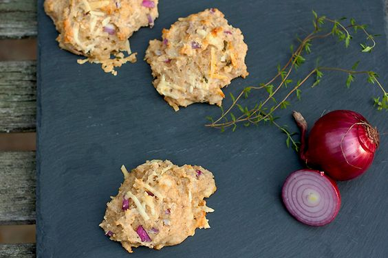 freeform rye muffins with red onion & farmsteadcheese