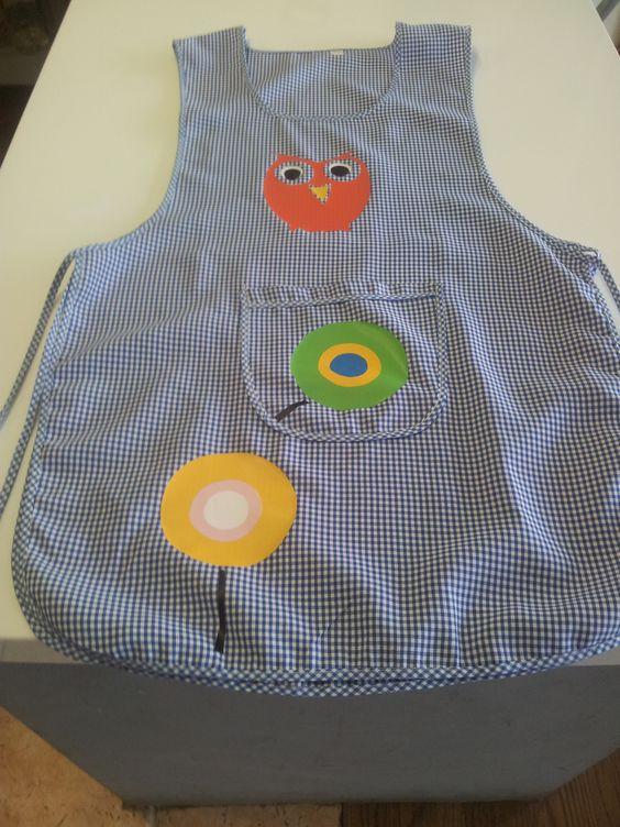 bata escolar decorada con vinilos por kalaychas blogspot.
