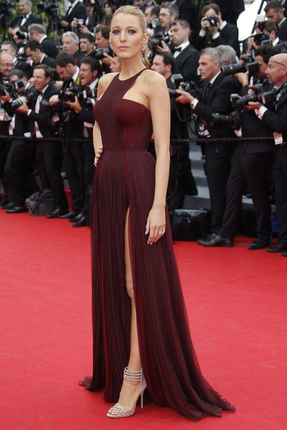 Pin for Later: Julianne Moore regiert auf dem Filmfestival in Cannes Blake Lively auf der Grace of Monaco-Premiere Blake Lively mit Lorraine Schwartz Schmuck und Casadei-Absatzschuhen auf der Eröffungsfeier von Cannes, bei der Premiere von Grace of Monaco.