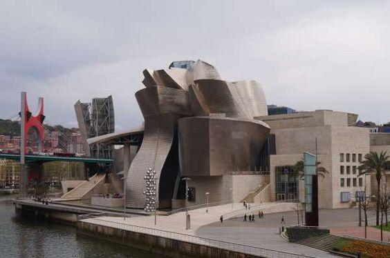 Un grupo de 20 diplomáticos de 14 países visitan Euskadi para conocer la cultura y la oferta turística vasca