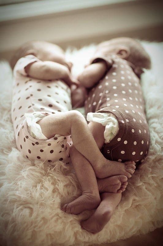 Awwwww.....: Newborn Twin Photography, Polka Dots, Babys Awwwww, Dots Twins, Polkadot, Awwwww Wook, Baby Girl, Baby S, Baby Photo