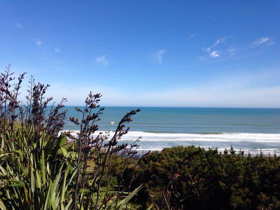 Kariotahi Beach, South Auckland. By Geeta Uka